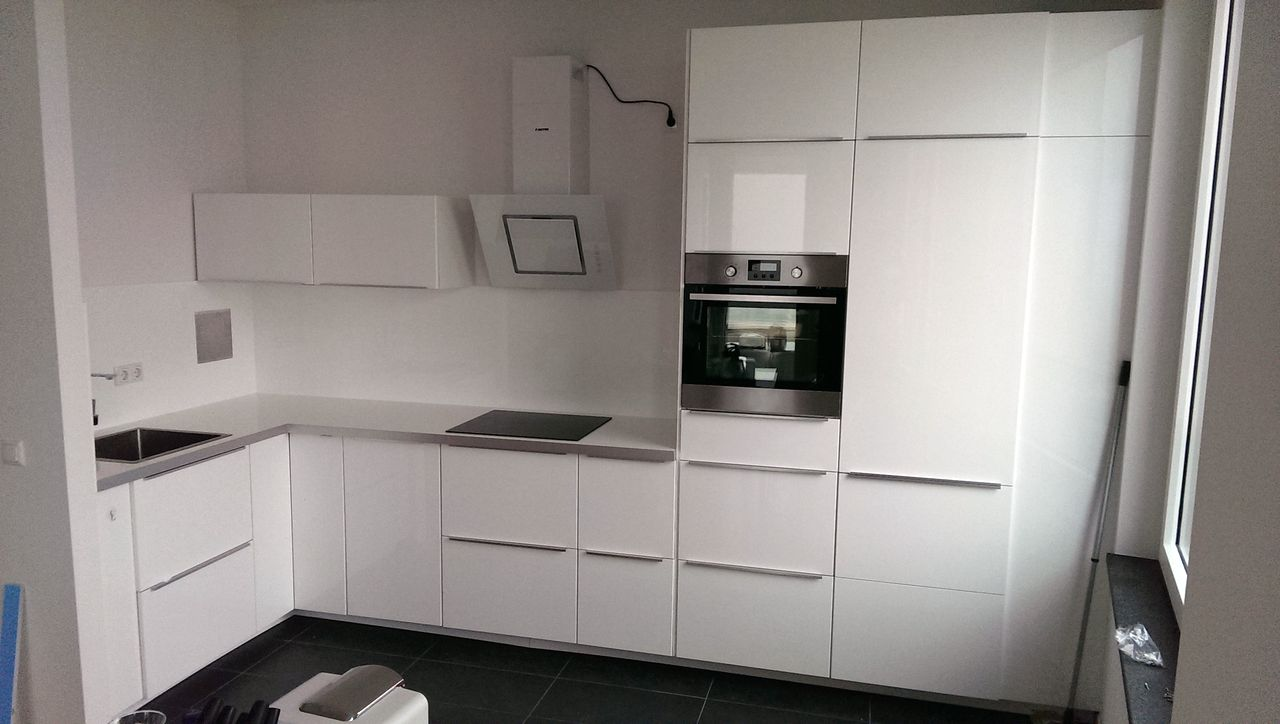 montage einer k che in augsburg. Black Bedroom Furniture Sets. Home Design Ideas